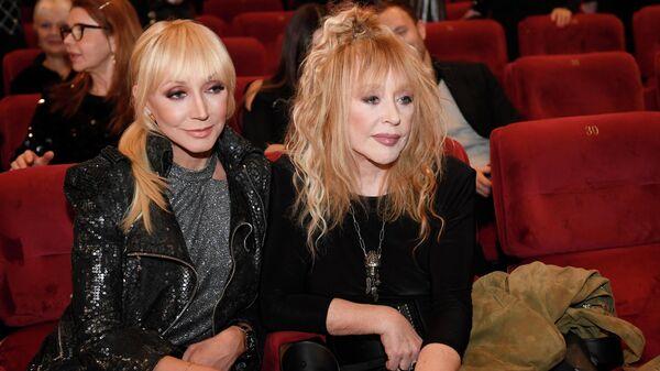 Певица Алла Пугачева с дочерью, певицей Кристиной Орбакайте на премьере фильма Алла Пугачева. Тот самый концерт