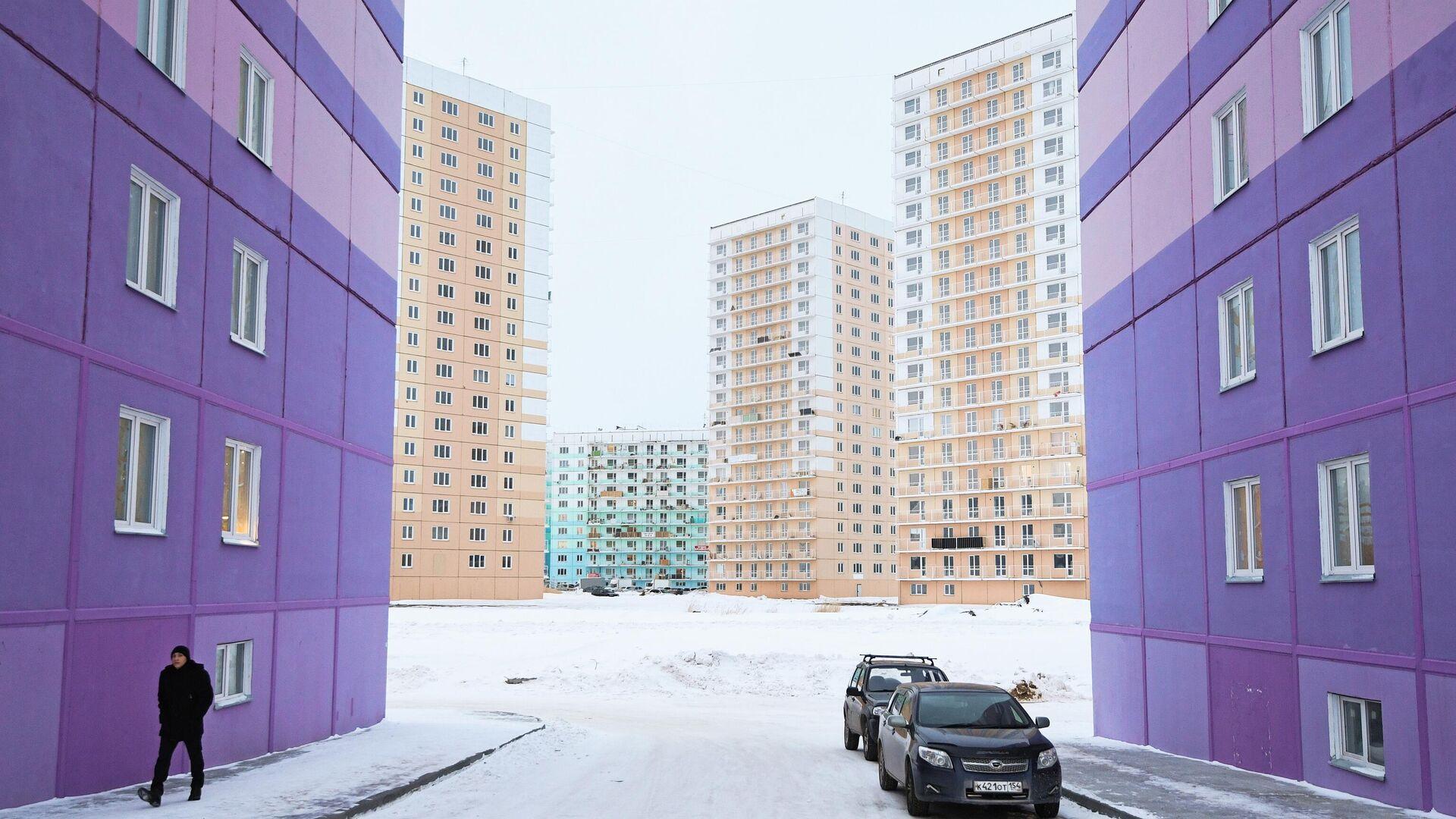 Многоэтажные панельные дома в строящемся жилом комплексе - РИА Новости, 1920, 14.01.2021
