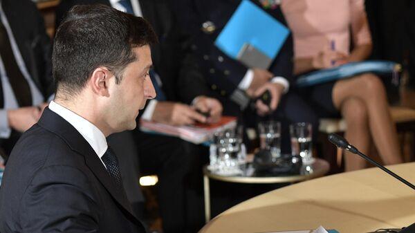 Президент Украины Владимир Зеленский во время встречи в Нормандском формате в Елисейском дворце