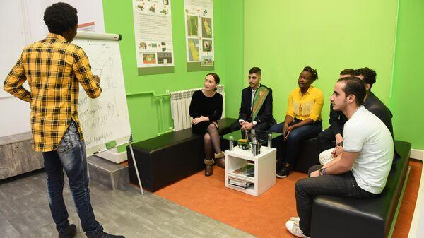 Студенты ДГТУ обсуждают проект