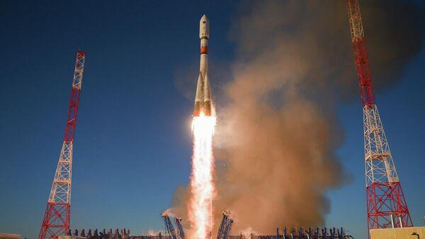 Пуск ракеты-носителя среднего класса Союз-2.1б