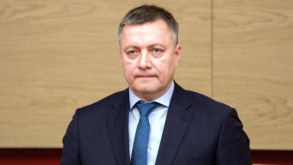 Временно исполняющий обязанности губернатора Иркутской области Игорь Кобзев на церемонии представления депутатам регионального парламента. 13 декабря 2019