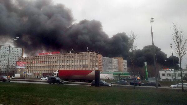 Пожар на складе на юге Москвы. 13 декабря 2019