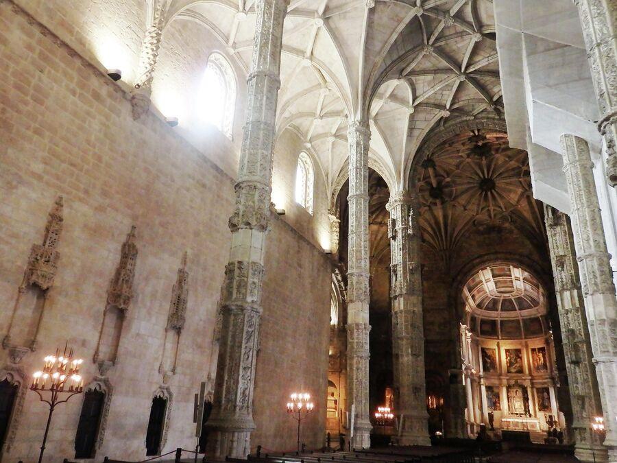 Церковь Санта-Мария ди Белен