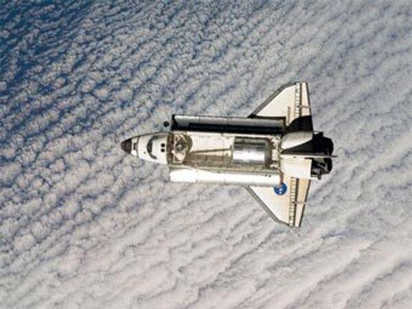 Астронавты шаттла Индевор совершили первый выход в открытый космос