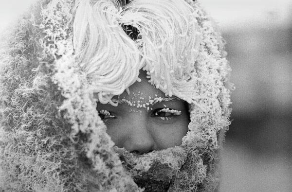 Девушка в сильный мороз
