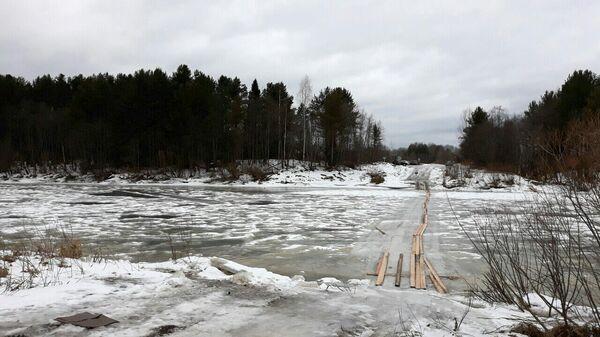 На месте переправы через реку Молома в Даровском районе