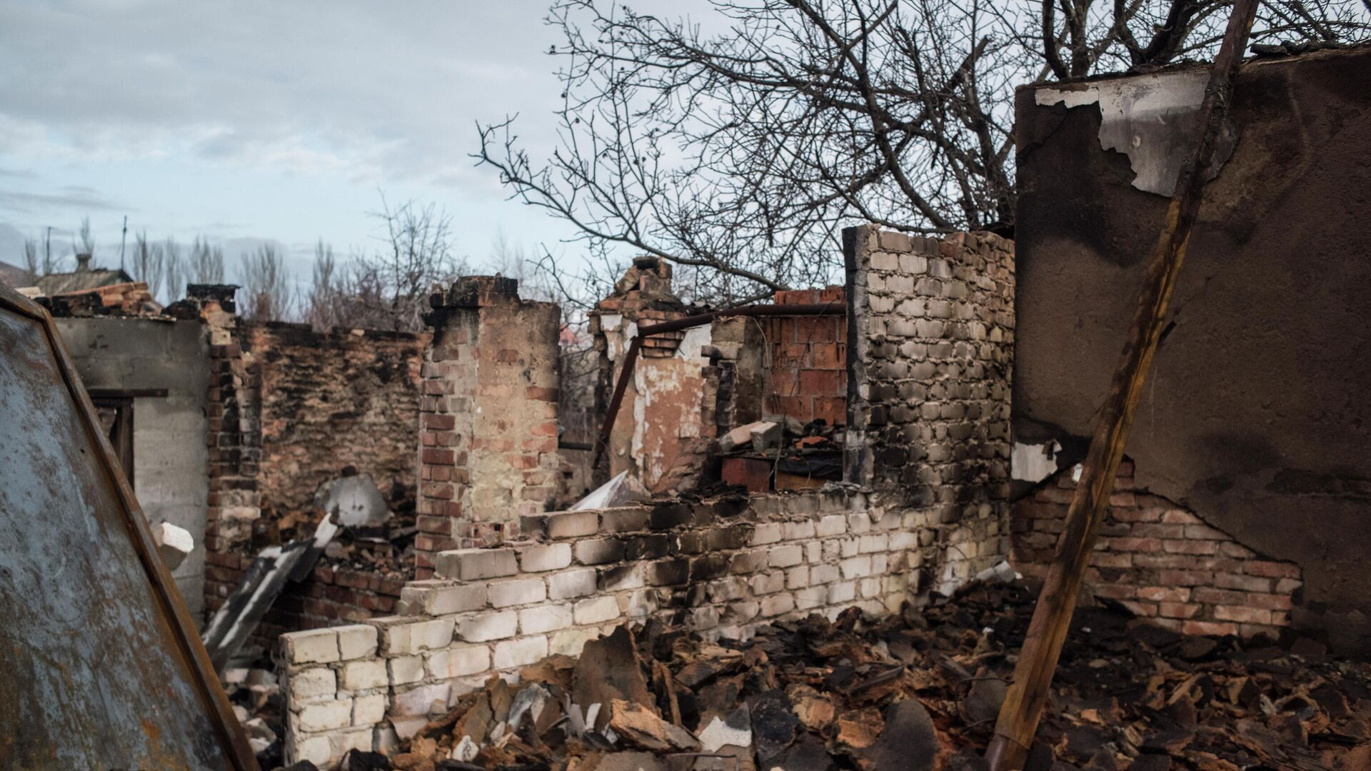 Украинские силовики шесть раз нарушили перемирие, заявили в ДНР