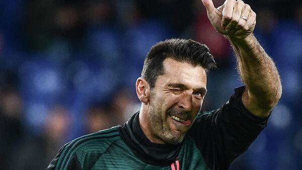Вратарь итальянского футбольного клуба Ювентус Джанлуиджи Буффон