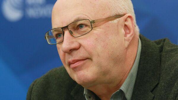 Руководитель программы по экологической политике ТЭК Фонда дикой природы Алексей Книжников