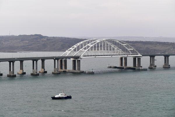 Крымский мост через Керченский пролив. 23 декабря 2019