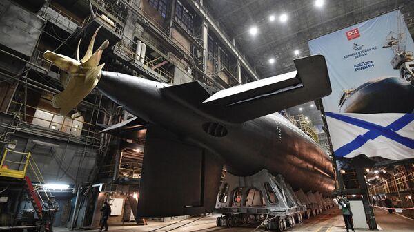 Спуск на воду дизель-электрической подводной лодки Волхов. 26 декабря 2019