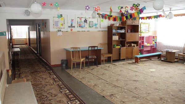 Холл в спальном корпусе оздоровительного лагеря Чайка