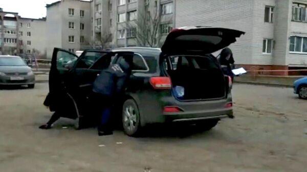 Следственные действия на месте покушения на убийство главы Рамонского муниципального района Воронежской области