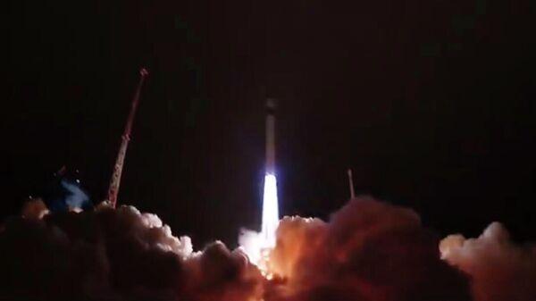 Пуск ракеты-носителя легкого класса Рокот с блоком космических аппаратов связи Гонец-М и юстировочным космическим аппаратом Блиц-М с космодрома Плесецк