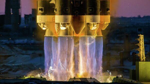 Пуск ракеты-носителя Протон-М с российским космическим аппаратом Электро-Л №3 с космодрома Байконур