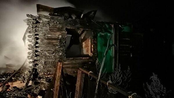 Последствия пожара в доме по улице Ивановка в селе Соболевка Каменского района, Пензенской области. 5 января 2020