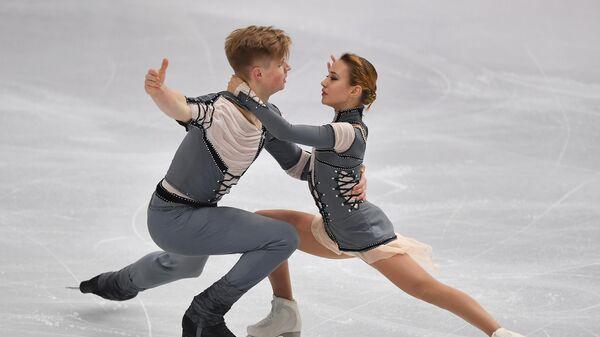 Алина Пепелева и Роман Плешков