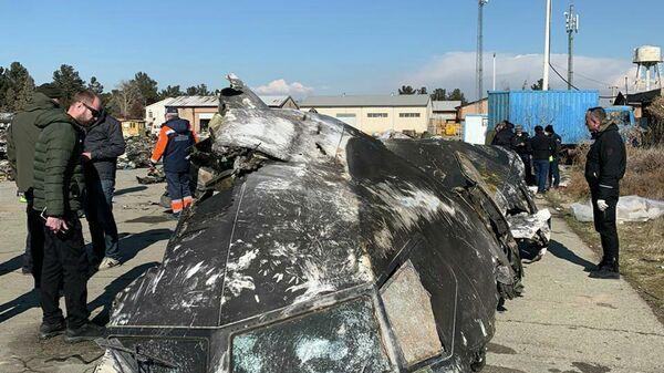 Фрагменты сбитого в Иране украинского самолета