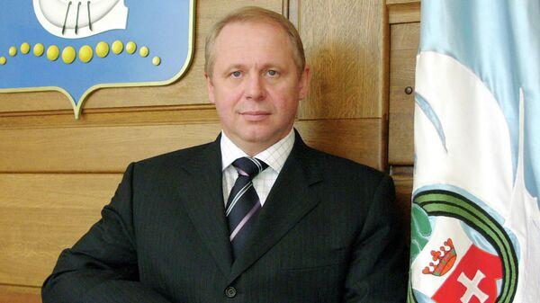 Мэр Калининграда в 2007 году Юрий Савенко в своем рабочем кабинете