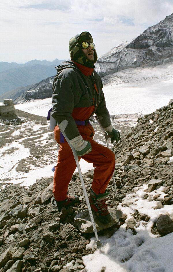 Поиски россиян в горах Сычуани осложнены погодными условиями