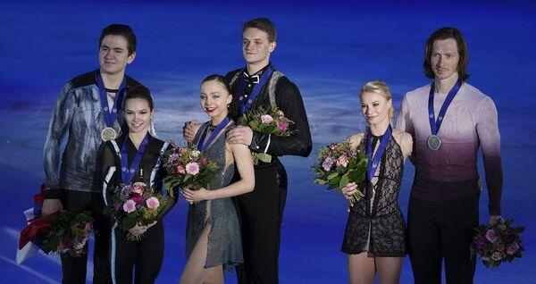 Дарья Павлюченко и Денис Ходыкин, Александра Бойкова и Дмитрий Козловский, Евгений Тарасова и Владимир Морозов (слева направо)