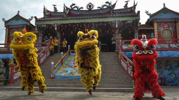 Празднование Нового года по лунному календарю в Пеканбару, Индонезия