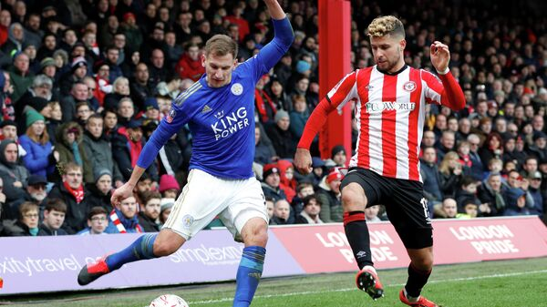 Soccer Football - FA Cup Fourth Round - Brentford v Leicester City - Griffin Park, Brentford, Britain - January 25, 2020  Leicester City's Marc Albrighton in action with Brentford's Emiliano Marcondes   Action Images via Reuters/Paul Childs