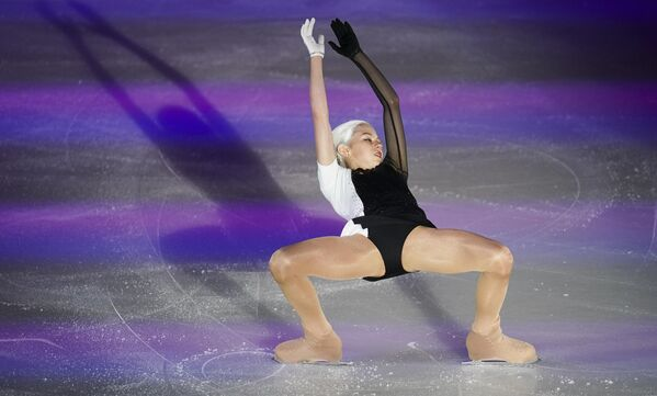 Александра Трусова (Россия) участвует в показательных выступлениях на чемпионате Европы по фигурному катанию в австрийском Граце.