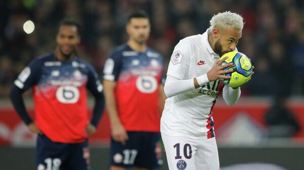 Soccer Football - Ligue 1 - Lille v Paris St Germain - Stade Pierre-Mauroy, Lille, France - January 26, 2020   Paris St Germain's Neymar celebrates scoring their second goal from the penalty spot    REUTERS/Pascal Rossignol