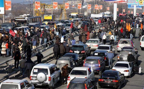 Власти Приморья отозвали законопроект о повышении транспортного налога