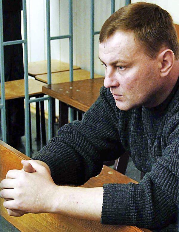 Полковник Юрий Буданов в зале суда. Архив