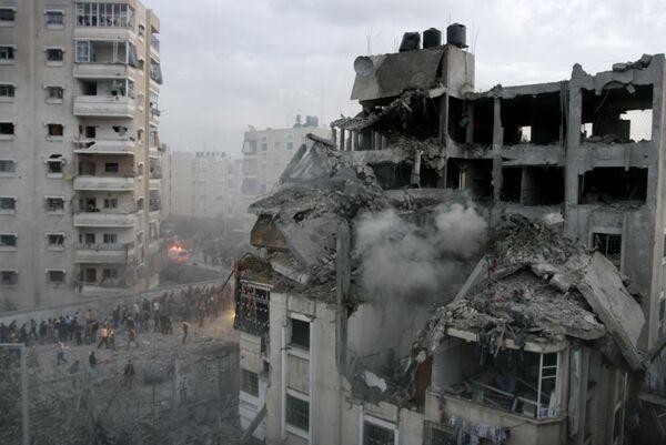 Разрушенный в результате авиаударов израильских ВВС дом одного из военачальников движения ХАМАС