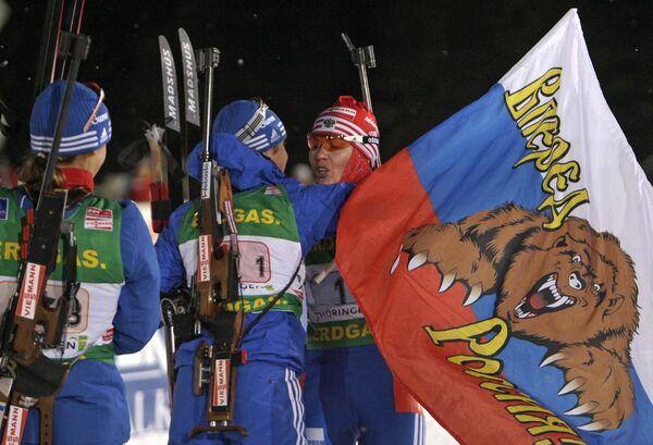 Российские биатлонистки Екатерина Юрьева, Светлана Слепцова и Ольга Медведцева (слева направо)