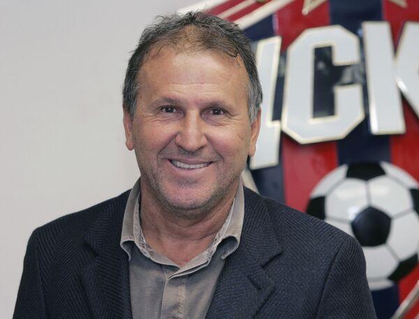 Новый главный тренер футбольного клуба ЦСКА Артур Антунеш Коимбра (Зико)