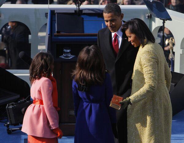 Барак Обама с семьей на церемонии инаугурации