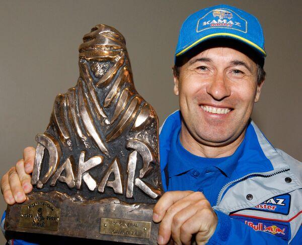 Экипаж Фирдауса Кабирова выиграл 13-й этап ралли-марафона Дакар-2010