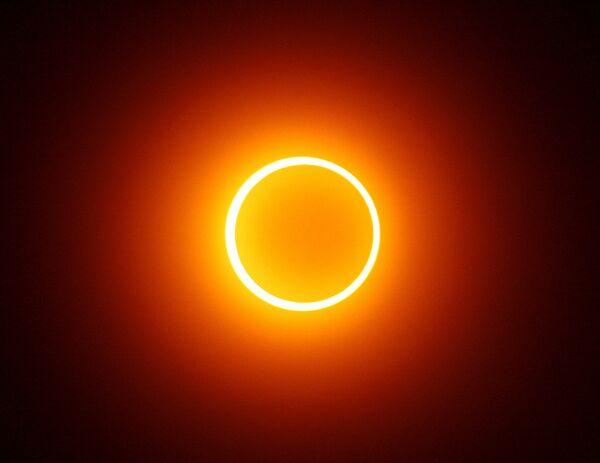 Полная фаза кольцеобразного солнечного затмения