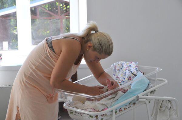 Шувалов допускает увеличение отпуска по уходу за ребенком для женщин