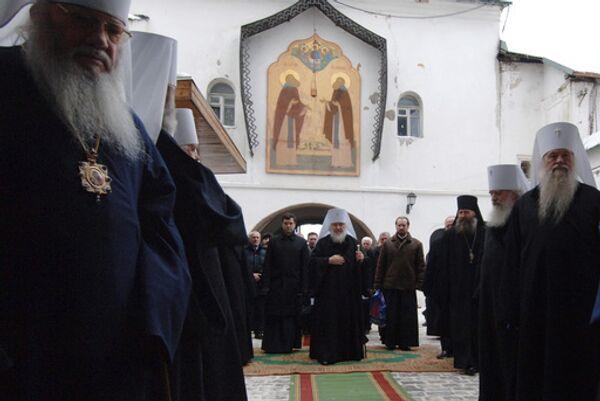 Патриарх Кирилл во время молебна в Троице-Сергиевой Лавре. Архив