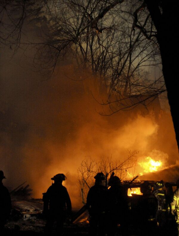 На месте катастрофы самолета в пригороде города Буффало в США