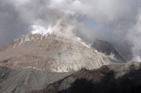 Более 1 тыс человек эвакуировано в Колумбии из-за извержения вулкана Галерас