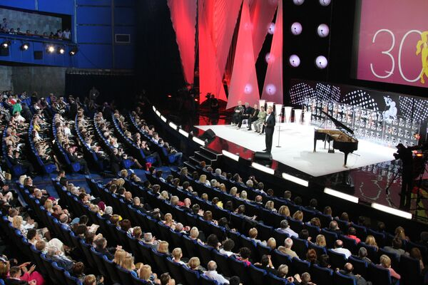 У нас есть предстоящий с 19 по 28 июня Международный Московский кинофестиваль, которого никому не отнять