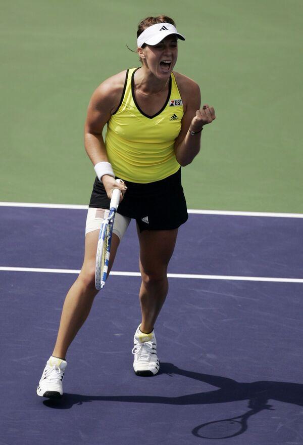 Анастасия Павлюченкова празднует победу над Агнешкой Радванской на турнире в Индиан-Уэллсе