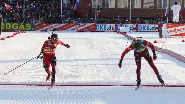 Эмиль-Хегле Свендсен и Оле-Эйнар Бьорндален (справа налево)