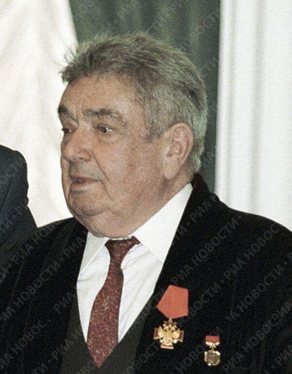 Актер Евгений Весник