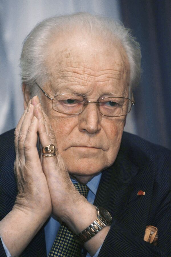 Скончался французский писатель Морис Дрюон - СМИ