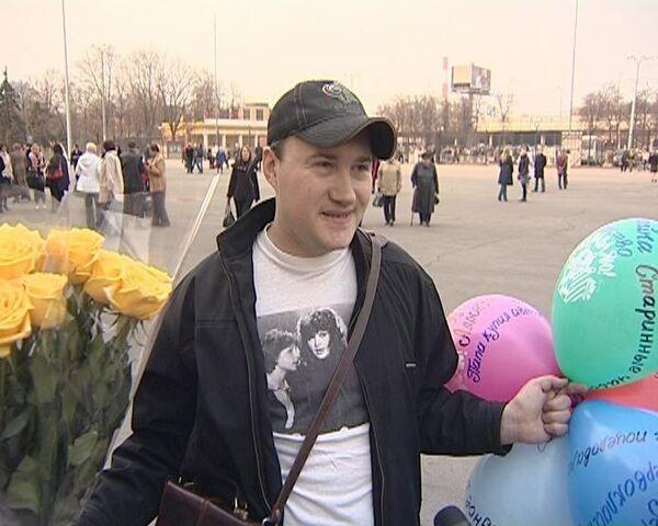 На прощание поклонники принесли Пугачевой миллион роз
