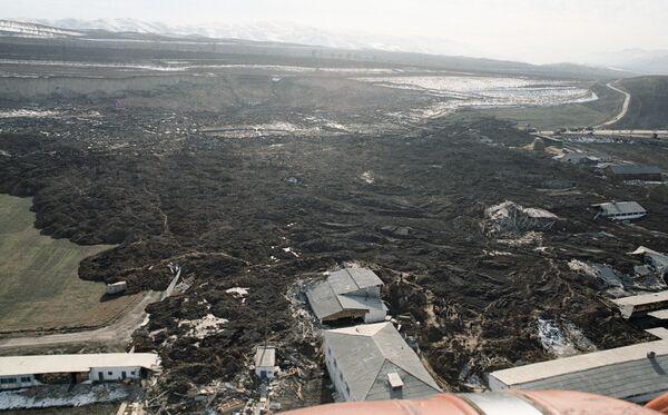 Десятки домов разрушены на востоке Таджикистана при землетрясении