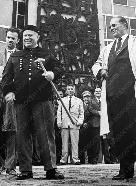 Хрущев и Тито в Югославии